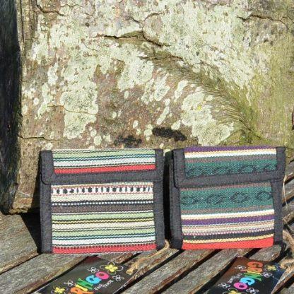 Kleurrijke beurs van traditionele stof uit Nepal
