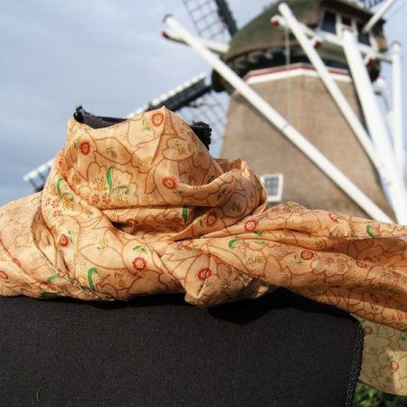 Fair trade zijden sjaal van gerecyclede Sari's