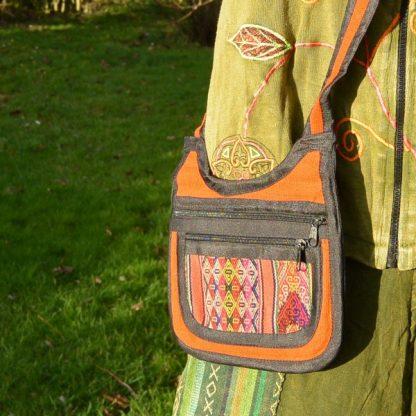 handgemaakte schoudertas Fair Trade oranje tinten