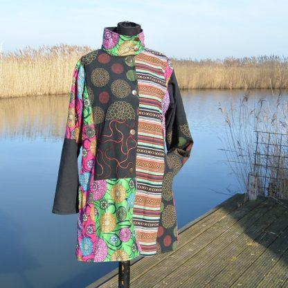 Festival kleurrijke alternatieve lange jas