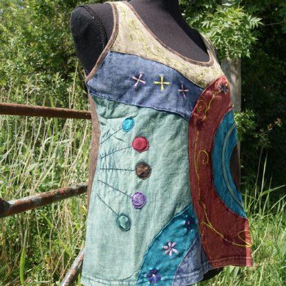 Alternatief shirt met borduursels