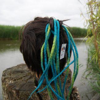 12 dreads aan een elastiek voor in je haar