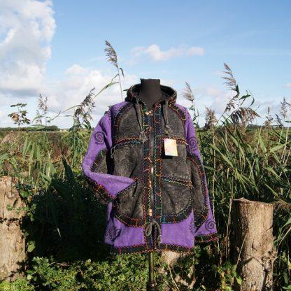 Stonewashed jas met houtje touwtje knopen