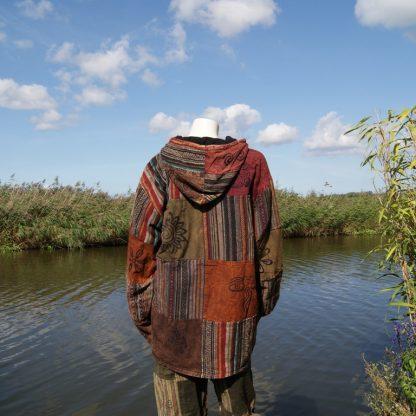 Bruine jas van lappen katoen Fairtrade
