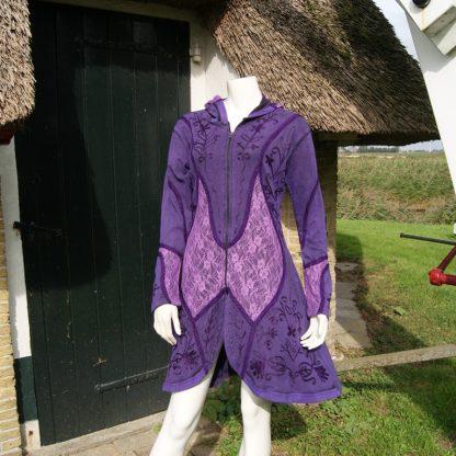 Flower Power vest paars met tule en borduursels