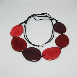 Halsketting rode kleuren