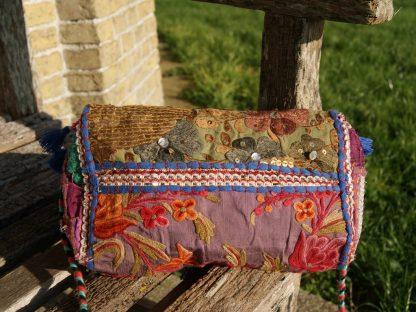 Etnische vintage schoudertas met borduursels