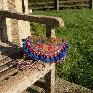 handgemaakte schoudertas - vintage met borduurwerk en kraaltjes