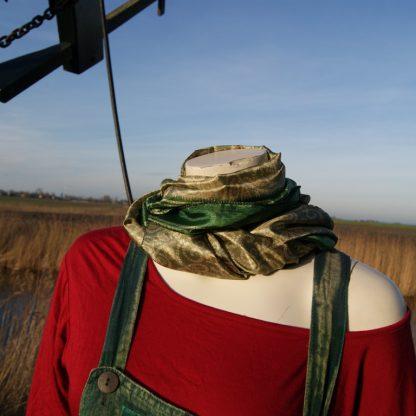 Alternatief zijden sjaal - festival sjaal - van gerecyclede Sari's