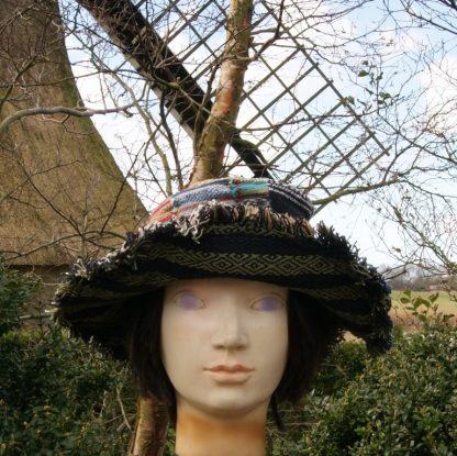 alternatieve kleding - kleurrijke kleding - fair trade - hoed