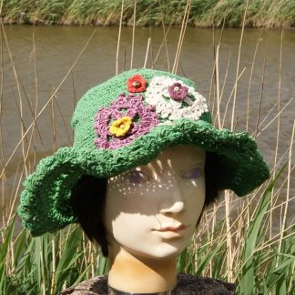 groene hoed - hoed - gehaakt - met rand - flower power