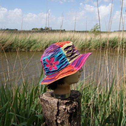 Vrolijke hoed - flower hat - hippie hoed - Flower Power patch Hat