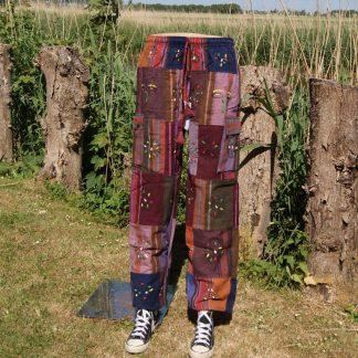 Broek van verschillende lappen dik katoen - taille elastiek - zijzakken